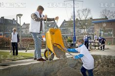 Dutch royals volunteering in Alpen aan den Rijn, The Netherlands - 12 Mar 2016  King Willem Alexander 12 Mar 2016