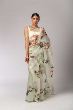 Buy online Sarees - Mint greeen printed organza floral sari from Sagar Sarees Floral Print Sarees, Saree Floral, Printed Sarees, Trendy Sarees, Stylish Sarees, Dress Indian Style, Indian Dresses, Indian Saris, Indian Wear