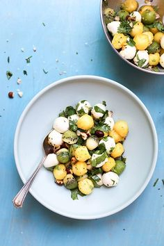 Tropical Summer Caprese Salad | www.floatingkitchen.net