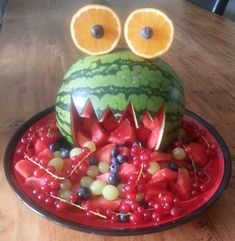 Fruit Platter Animal 28 Ideas For 2019 Watermelon Animals, Watermelon Monster, Fruit Animals, Fruit Juice Recipes, Healthy Fruit Smoothies, Fruit Appetizers, Fruit Snacks, Fruit Party, Party Snacks