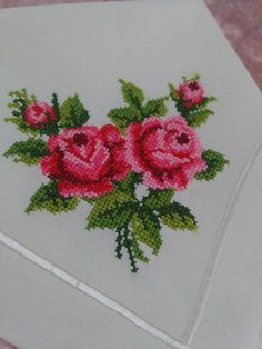This post was discovered by Em Beaded Cross Stitch, Cross Stitch Borders, Cross Stitch Rose, Cross Stitch Flowers, Counted Cross Stitch Patterns, Cross Stitch Designs, Cross Stitching, Cross Stitch Embroidery, Hand Embroidery Flowers