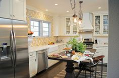 spanish+cottage+decor | Spanish Style Makeovers: Team Red Gallery Photos from American Dream ...