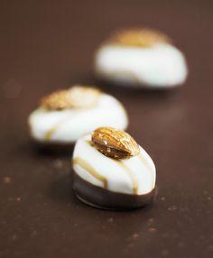 Mandel-Schokoladen-Pralinen