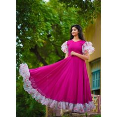 Planning to shop ethnic dresses online? Do check out this brand's collection. Long Frocks For Girls, Gowns For Girls, Dresses Kids Girl, Sleeves Designs For Dresses, Fancy Blouse Designs, Dress Designs For Girls, Long Gown Dress, Frock Dress, Dress Up