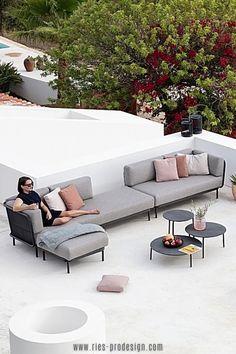 Polstermöbel Garten von Designern.    Schau mal rein.    Du erreichst uns unter dieser Nummer:     43 699 1599 0977    #gartenmoebel, #outdoormoebeldesign,  #RiesProDesign Outdoor Sofa, Outdoor Furniture, Outdoor Decor, Lounge Design, Modular Sofa, Sectional Sofa, Interior Design, Home Decor, Garden Furniture Design