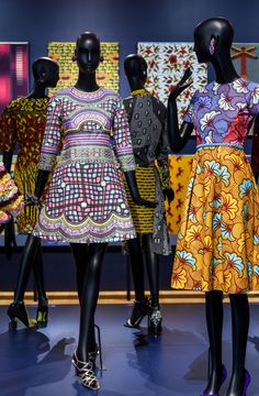 Patterns designed by Inge van Lierop for Vlisco. From left to right: dress, Bloom collection, season 2 (2014); dress, Bright and Beautiful collection, season 2 (2016); ensemble, Fantasia collection, season 3 (2014); dress, Bloom collection, season 2 (2014); all cotton and wax block prints