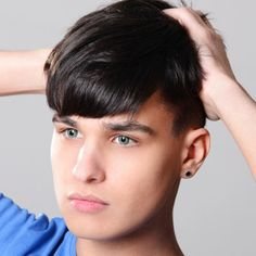 For summer, there's no need to always slick hair back or spike it up. Try wearing it down like this for a fresh and trendy look. Mens Hairstyles 2014, Cool Hairstyles For Men, Slick Hairstyles, Haircuts For Men, Summer Hairstyles, Summer 2014, Salons, Hair Cuts, Mens Fashion