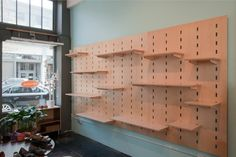 Shelving system by Kerf Design created for shoe store, Resoul in Seattle, WA. Modular Furniture, Plywood Furniture, Cool Furniture, Modern Furniture, Furniture Design, Pegboard Display, Display Shelves, Shelving, Shoe Display