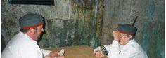 l'évocation historique du camp Marguerre  ÉVOCATION HISTORIQUE AU CAMP MARGUERRE LOISON  Revivez l'expérience des soldats allemands... Dès 1915, le Capitaine Hans Marguerre et ses soldats construisirent ce camp entièrement en béton armé et y vécurent jusqu'à la fin de la guerre.  200 bénévoles vont vous faire vivre une expérience unique, lors de visites nocturnes, gràce à un son et lumières réalisé par Connaissance de la Meuse...