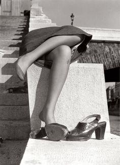 © Izis Bidermanas, Sur les quais de la Seine, Petit Pont, 1950
