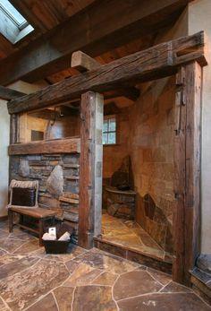 Concept intéressant de paroi séparatrice en bois et pierre