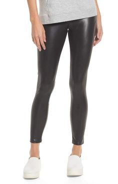 3d21d64dc96f80 20 Ways To Wear Leather Leggings With Your Outfit | everything | Leather  leggings outfit, High waisted leather leggings, Leather Leggings