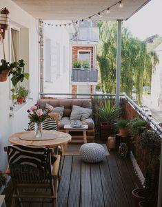 Small Balcony Design, Small Balcony Decor, Terrace Decor, Diy Home Decor, Room Decor, Balkon Design, Apartment Balcony Decorating, Home And Living, Interior Inspiration