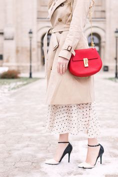 How to look expensive. 3 tips for looking high class even when you are broke. Cute outfit idea with Burberry trench coat, and red Chloe Drew bag.