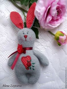 63 Ideas sewing animals patterns easter for 2019 Felt Crafts, Easter Crafts, Sewing Headbands, Diy Ostern, Sewing Pillows, Sewing Toys, Soft Dolls, Fabric Dolls, Stuffed Toys Patterns