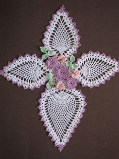PDF Crochet Pattern mariposas y rosas piña por BellaCrochet