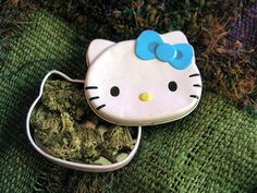 I always knew hello kitty would come in handy ; get some yourself some pawtastic adorable cat shirts, cat socks, and other cat apparel by tapping the pin! Cannabis, Weed Girls, 420 Girls, Pipes And Bongs, Stoner Girl, Smoking Weed, Ganja, Sanrio, Trippy