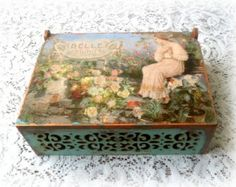 Decoupage keepsake box trinket box jewelry por CarmenHandCrafts