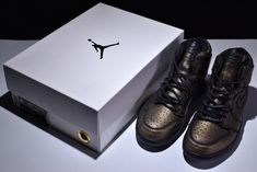 "4b393fe7779d 2018 Air Jordan 1 Premium ""Wings"" Black Metallic Gold Cheap Sale"