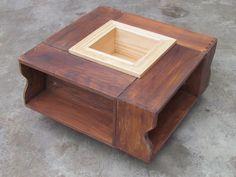 Mesa reciclada de cajones