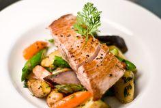 Lemon tuna steaks on a bed of roasted veggies - No Recipes