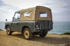 Land Rover Series 11A . .