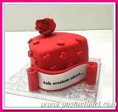 Sevgililer günü için özel pasta