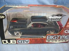 Dub City Big Time Muscle 1:24 Scale Die-Cast 1969 Chevy Chevelle SS Replica