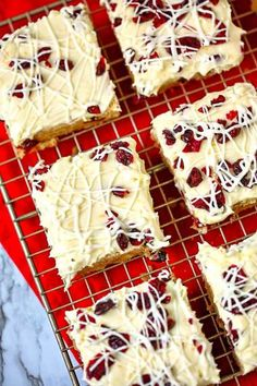 Cranberry Bliss Bars - a Starbucks Copy Cat Recipe! Cranberry Bliss Bars - These taste just like the ones at Starbucks. Plus they're super easy to make! Holiday Desserts, Holiday Baking, Christmas Baking, Easy Desserts, Holiday Recipes, Delicious Desserts, Yummy Food, Christmas Recipes, Christmas Cookies