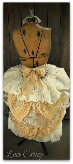 "Lace Crazy: The ""Vintage Dress Form"" is a beauty~!"
