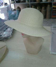 cappello crema elegante cerimonia erba paglia hat cocktail mare donna  fontana f2cc550a33e3