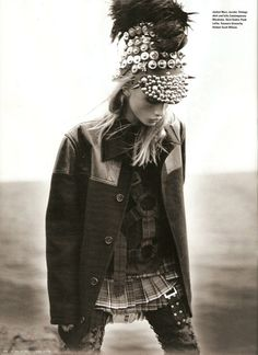- Russian model Anna Selezneva portrays an 'Eco-Warrior' in i-D magazine's Fall 2009 issue. The black and white editorial was photo. Military Chic, Military Looks, Military Fashion, Punk Fashion, Grunge Fashion, High Fashion, Warrior Fashion, Soft Grunge, Punk Chic