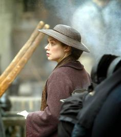 Elizabeth Gaskell, Look Back At Me, Gif Photo, North South, English Actresses, Drama Film, Period Dramas, Jane Austen, Looking Back