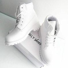 35 Stylish Casual Shoes Ideas That Will Make You Look Fantastic – Shoes Fashion & Latest Trends Timberland Outfits, Timberlands Shoes, Shoes Sneakers, Shoes Heels, White Timberlands, Timberland Boots Women, Timberlands Women, Adidas Sneakers, Dream Shoes