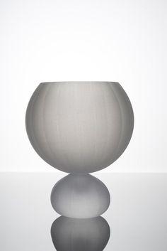 Hexa Vases by Vezzini & Chen Glassworks. See more on OEN - http://the189.com/sculpture/hexa-vases-by-vezzini-chen-glassworks #handmade #craft #london #design #modern #vessel