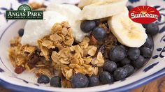 Everyday Gourmet - add banana and this amazing granola to a homemade acai bowl! Perfection!