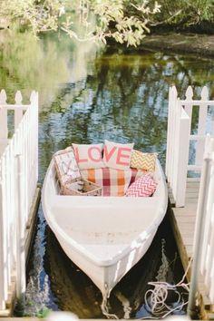 Canoe Wedding Decor / http://www.deerpearlflowers.com/rustic-canoe-wedding-ideas/