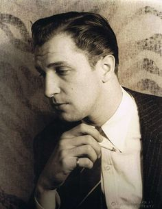 Vincent Price I'm dying he was such a handsome guy!
