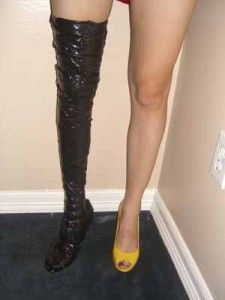 Great resource for how to make your own duct tape boots or corset-like top for an easy DIY Halloween costume or cosplay