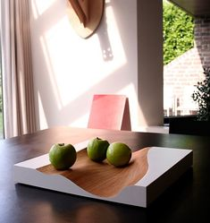 Belgium-based Studio Segers has designed Vloed, a fruit tray made from wood. Cnc, Modern Fruit Bowl, Furniture Decor, Furniture Design, Fruit Storage, Wooden Plates, Bowl Designs, Plate Design, Ceramic Table