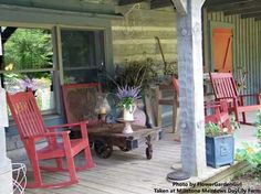 like the red rocking chairs