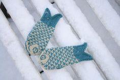 Ravelry: Goldfish mittens.