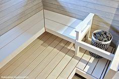 Muuttovalmiin omakotitalon rakennuttamisesta ja autotallin rakentamisesta kertova blogi jossa käsitellään myös sisustamista ja lapsiperheen arkea. Finnish Sauna, Sauna Room, Spa Rooms, New Homes, Relax, Stairs, Saunas, Places, House