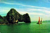 Yen Ngua islet. more details at  http://www.reddragoncruise.com/guide/islands/yen-ngua-islet