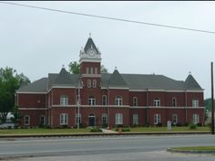 Twiggs County Courthouse, Jeffersonville, GA. After renovations of 1979.