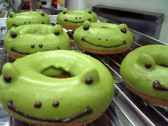 frog doughnuts