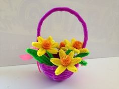 Pipe Cleaner Crafts for Kids | How to make an Easter Pipe Cleaner Basket