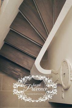 Hazai Provence Vendégház, Kapolcs | hamisítatlan provence- i hangulat a Művészetek Völgyében Provence, Shabby Chic, Stairs, Living Room, Home Decor, Stairway, Decoration Home, Room Decor, Staircases