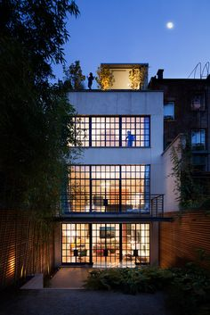 http://www.stevenharrisarchitects.com/projects/Horatio-Street