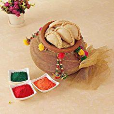 Holi Colors with Khoya Gujiya and Decorated Matki Holi Celebration, Happy Birthday Celebration, Holi Sweets, Holi Theme, Holi Gift, Holi Recipes, Holi Photo, Holi Wishes, Holi Colors